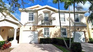 townhouse in palm beach gardens protected by crazylegs pest control